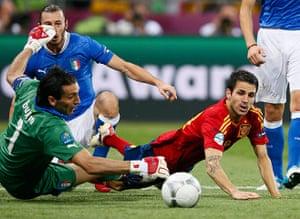 sport12: Italy's Buffon saves an attack