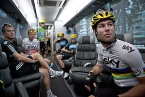 Wiggins: Team members on the bus