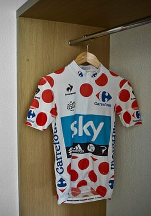 Wiggins: red spotted jersey