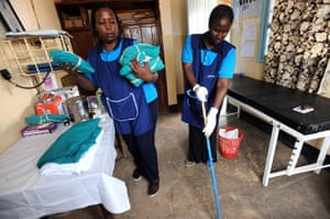 Family planning : team from Marie Stopes International in Tanzania