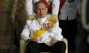 Thailand's King Bhumibol Adulyadej has granted a pardon and freedom to Joe Gordon