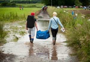 Wet festivals: Festival goers head home early due to the rain and the mud