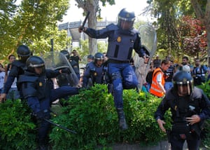 Miners reach Madrid: Police riots run after the demonstrators during the coal miners's march