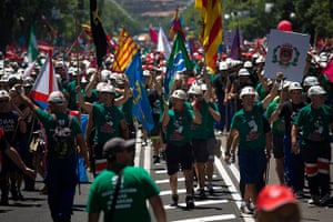 Miners reach Madrid: Coal miners arrive near the Ministry of Industry after marching in Madrid