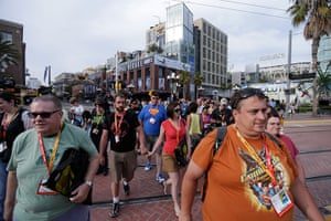 Comic con: Crowds of fans arrive to Comic-Con