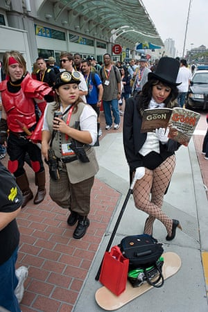 Comic con: Gina Turcios dressed as the DC comic character Zatanna