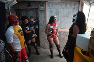 Lucha Libre, Mexico: Lucha Libre wrestlers wait for their turn to perform