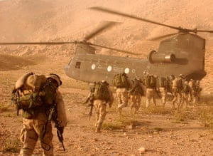 US Army Camouflage: US Soldiers marching to Chinook helicopter in Afghanistan