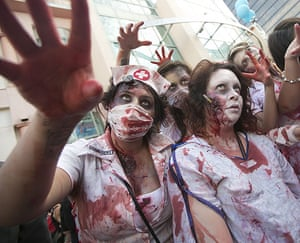 Comic-con: Zombie Walk at Comic-Con