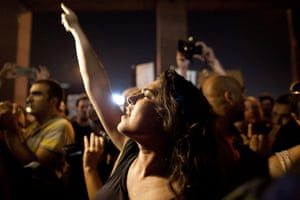 Tel Aviv protests: Israelis demonstrate in front of the social security building