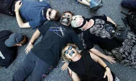 Arts workers strike, Avignon 8/7/03