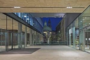 Stirling: New Court, Rothschild Bank, London