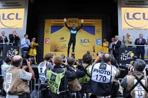 tour stage 17: Wiggins retains the yellow jersey