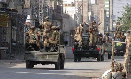 Pakistan army troops