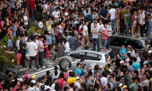 Chinese protesters in Qidong