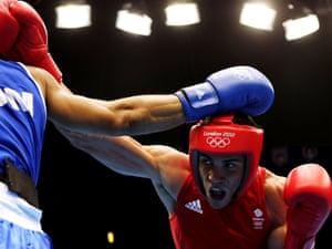 Anthony Ogogo powers his way to victory over Junior Castillo Martinez of Domincan Republic in their middleweight bout