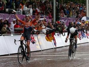 Marianne Vos wins