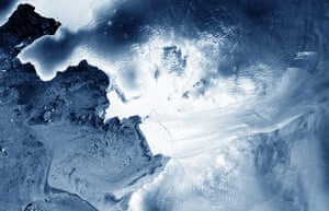 Satellite eye on earth: Pine Island Glacier in West Antarctica and reveals a crack in the glacier