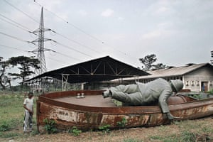 Prix Pictet Power : Statue of Stanley that used to overlook Kinshasa