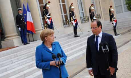 Angela Merkel and François Hollande outside the Élysée palace