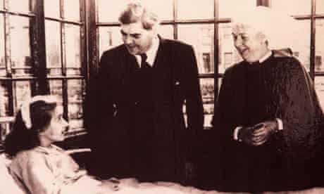 Aneurin Bevan launches the NHS