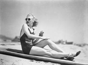 1936: Famous Legs