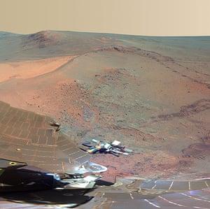 NASA Mars: Opportunity's own solar arrays and deck