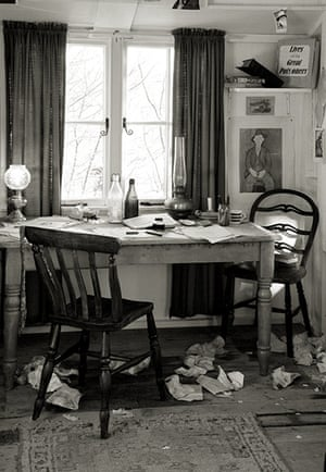 Wales book photography: Dylan Thomas's Writing Shed, Laugharne