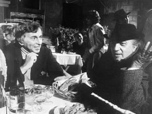 Gore Vidal obituary: 1971: Federico Fellini, right, chats with Gore Vidal on the set of Roma