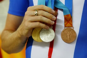 Wiggo Olympic medals : Wiggins shows off his full set of medals