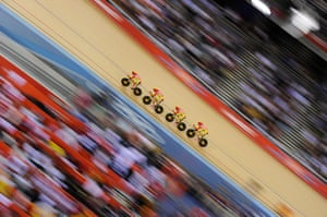 Top Ten: Spain men's team pursuit team in action