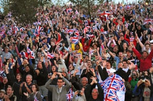 team GB celebrations: Crowds cheer as they watch Jessica Ennis win gold