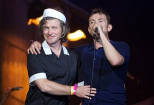 Blur in Hyde Park: Harry Enfield gives Damon some support