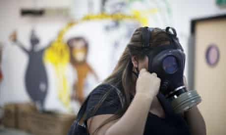 Gas masks are distributed in Tel Aviv
