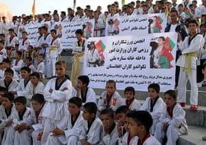 Olympians return home: Supporters of Rohullah Nikpai, Afghan Olympic taekwondo medalist welcome