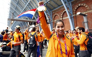 Olympians return home: Ranomi Kromoqidjojo leave London
