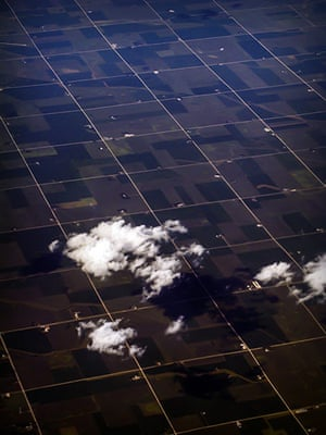 Your Pictures: Square: Aerial shot taken out of a plane window