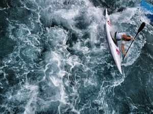 Dan Chung Gallery: Switzerland's Mike Kurt paddles the Kayak Single K1 course