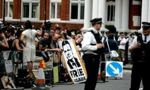 Jullian Assange protesters