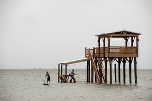 Tropical storm Isaac: East Beach, Ocean Springs, Mississipp