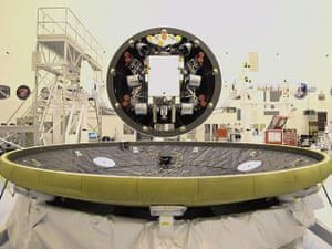 Mars Curiosity rover: Final Closeout Actions for Curiosity's Heat Shield and Back Shell