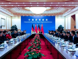 German Chancellor Angela Merkel (C-L) and Chinese Premier Wen Jiabao (C-R) hold bilateral talks inside the Great Hall of the People in Beijing, China, 30 August 2012.