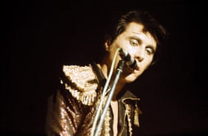 Roxy Music: Bryan Ferry performing in 1971