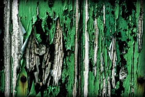 Your Pictures: Fade: Green peeling paint