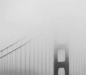 Your Pictures: Fade: The Golden Gate bridge in San Fransicso in the fog