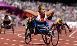 Hannah Cockroft wins the women's 100m T34 round 1 race