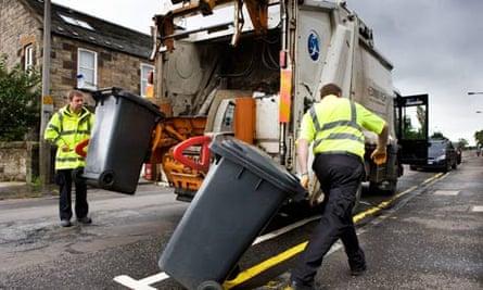 A bin lorry collects rubbish in Edinburgh