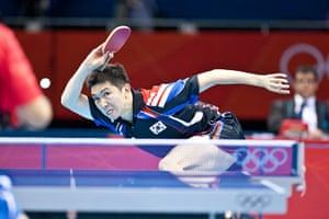 Table tennis: Seungmin Ryu of South Korea sprints to make a return