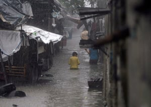 Floods in Manila: Torrential rain and massive flooding in the Philippine capital .