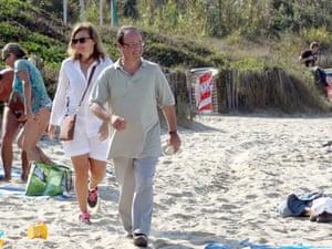 Valerie Trierweiler and President Francois Hollande on Fort de Bregancon beach
